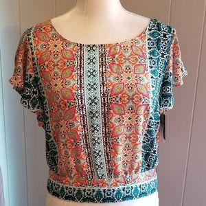 Multicolored short sleeved top